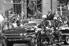 Prezydent Charles de Gaulle w Polsce. 1967. Przejazd ulicami Warszawy