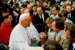 Spotkanie z rodziną zamordowanego księdza Popiełuszki, 1987