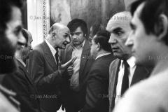 04  Pertaaktacje Solidarność rząd w sprawie kryzysu Bydgoskiego, marzec 1981.  Z lewej Andrzj Gwiazda i mec. Siła Nowicki, z prawej Józef Kępa.