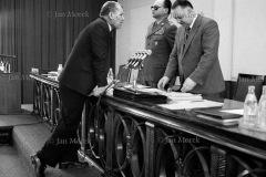 01  Mieczysław Rakowski, Wojciech Jaruzelski i Stanisław Kania.  Obrady KC PZPR wv tydzień po rejestracji NZSS Solidarność, wrzesień 1980
