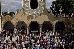 Msza na dziedzińcu przyklasztornym, 1999