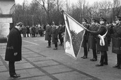 Układ Warszawa-Bonn w sprawie uznania granic PRL. 1967. Kanclerz Willy Brandt przed grobem Nieznanego Żołnierza.